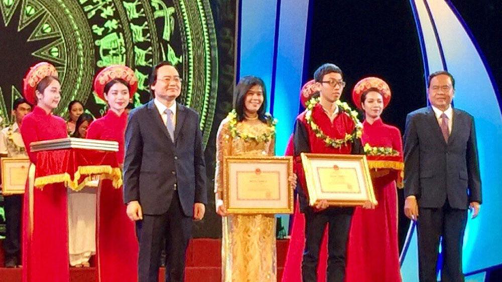 Bộ GD&ĐT tuyên dương gương người tốt, việc tốt: Bắc Giang có 10 giáo viên, học sinh được tuyên dương