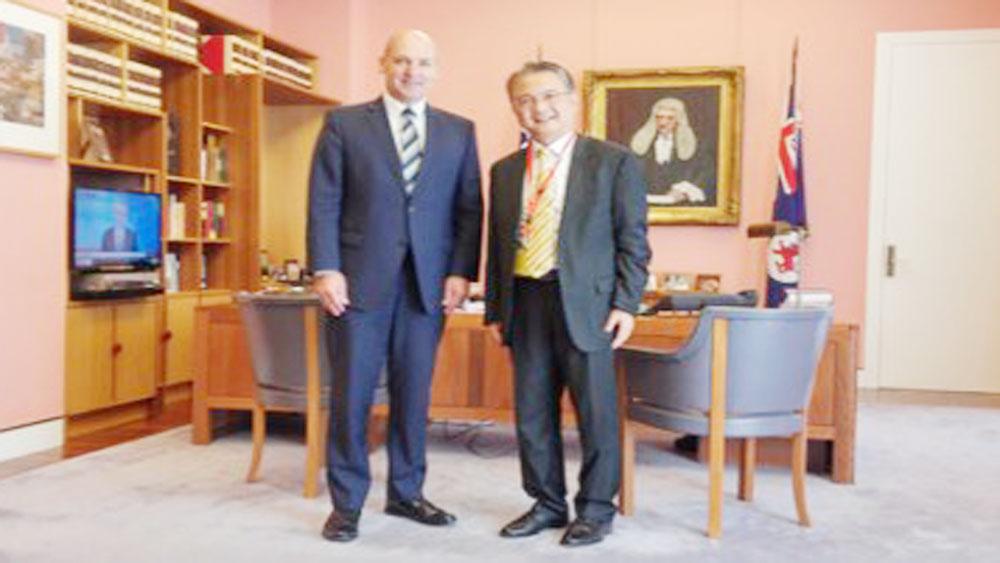 Australian Senate speaker delights at progress of ties with Vietnam