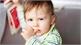 Trẻ mút tay nhiều sẽ gây ra lệch hàm