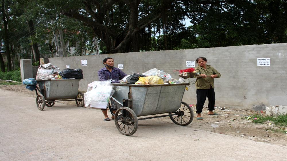 Hỗ trợ 130 xe chở rác