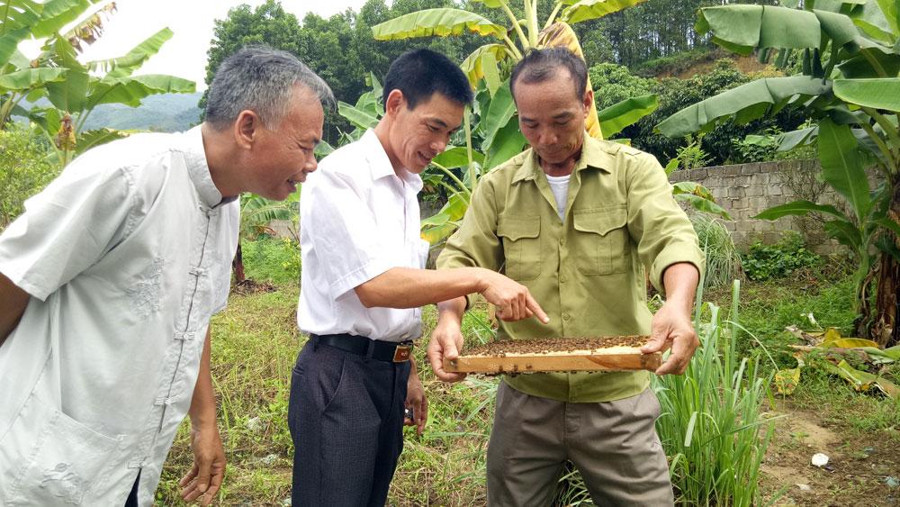Nghị lực của thương binh Nguyễn Văn Hưởng