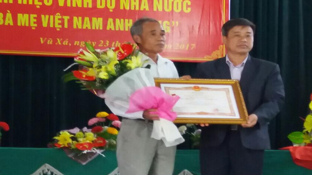 Truy tặng danh hiệu Bà Mẹ Việt Nam Anh hùng cho mẹ Phạm Thị Ràng