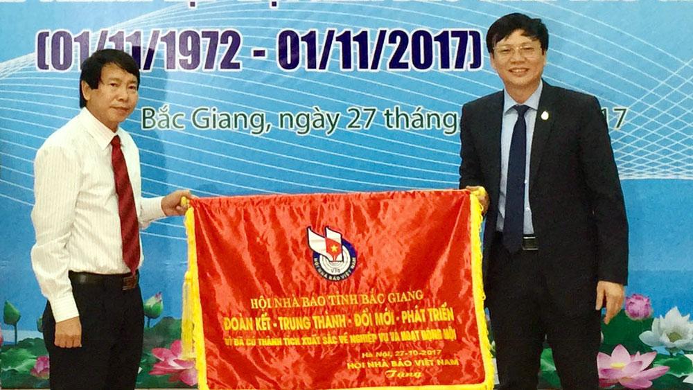 Kỷ niệm 45 năm Ngày thành lập Hội Nhà báo tỉnh Bắc Giang