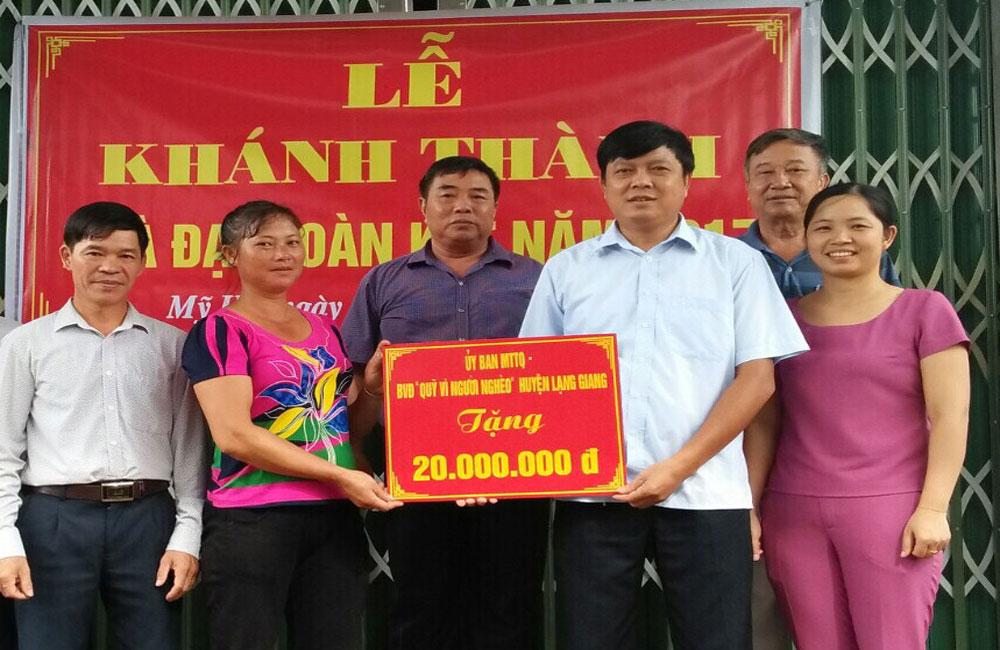 Lạng Giang sửa chữa, xây mới 63 nhà đại đoàn kết