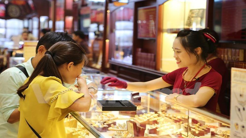 Giá vàng SJC tăng nhẹ, chênh lệch với thế giới vẫn ở mức cao