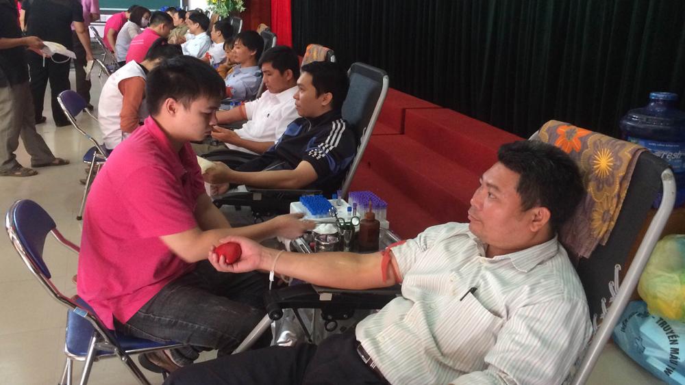 Lục Ngạn thu được 851 đơn vị máu trong ngày hội hiến máu tình nguyện đợt 2 năm 2017