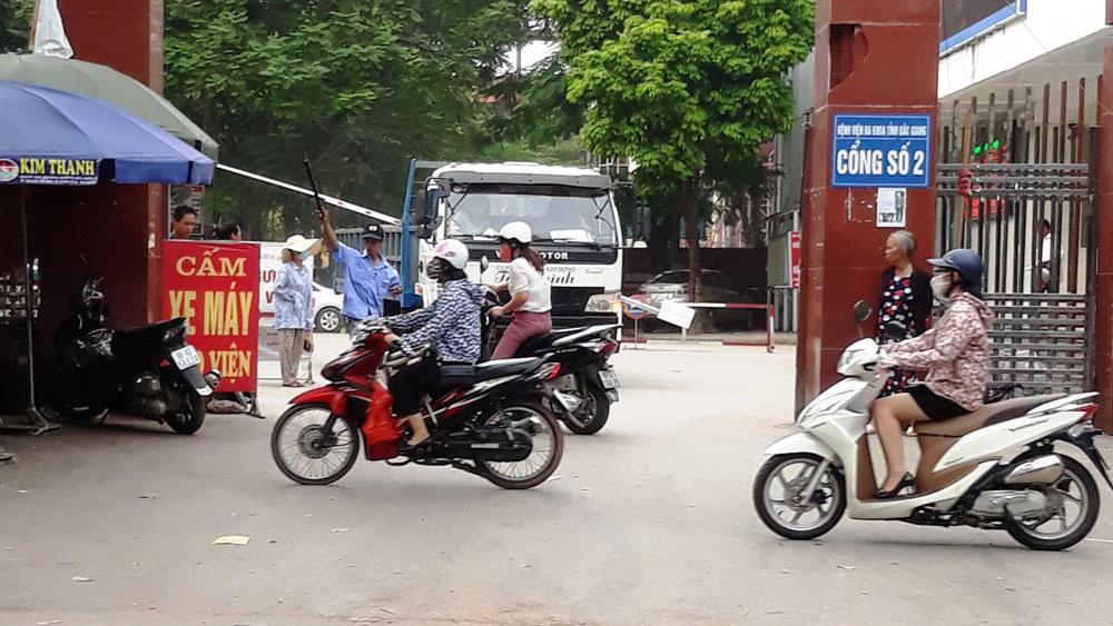 Không còn tình trạng tự ý cấm xe vào Bệnh viện Đa khoa tỉnh Bắc Giang