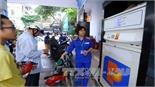 Giá xăng tăng vượt mức 18.000 đồng/lít