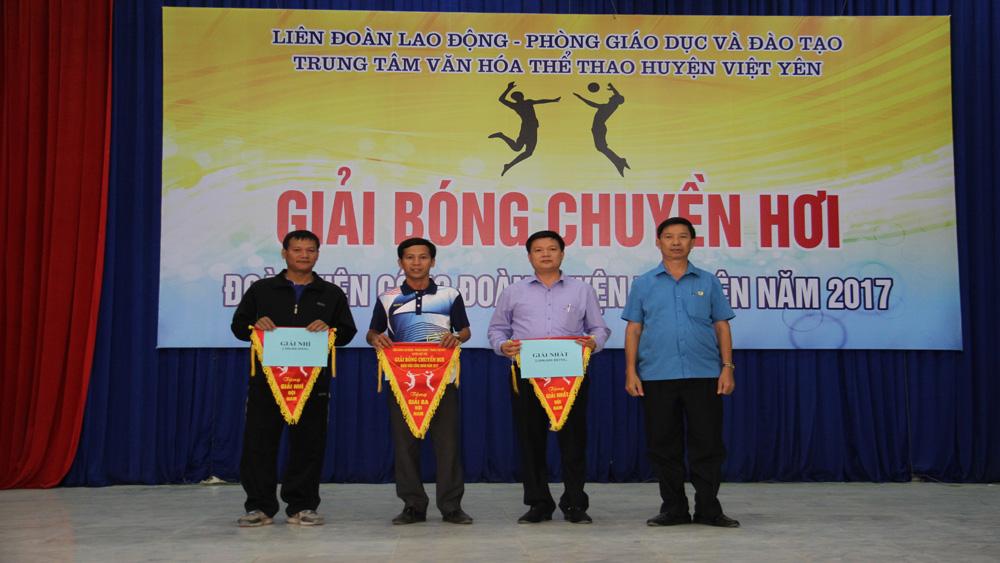 Chung kết Giải bóng chuyền hơi đoàn viên công đoàn huyện Việt Yên năm 2017