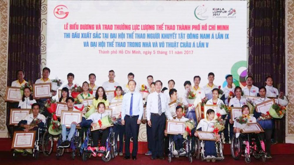 HCM City honours outstanding athletes