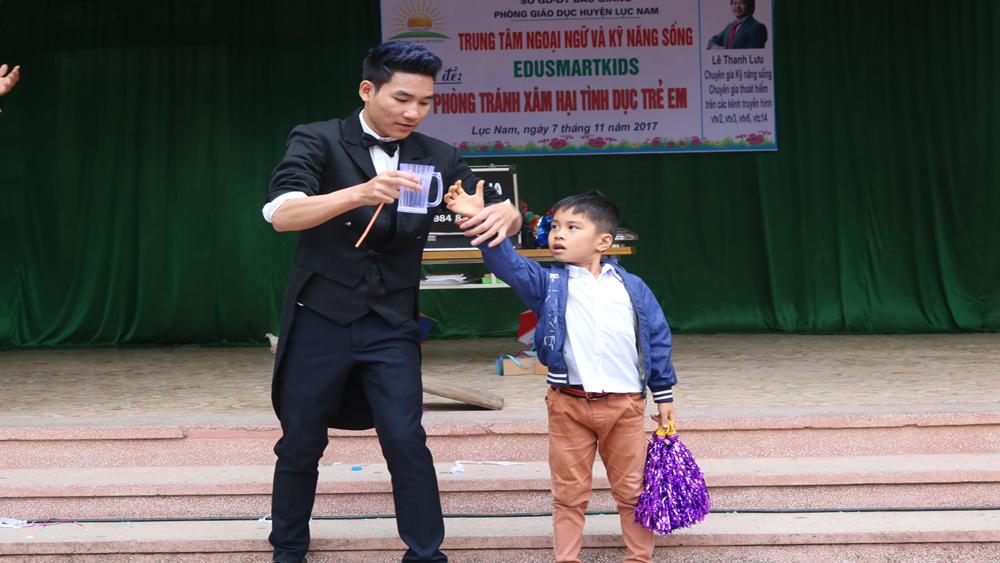 Hoạt động ngoại khóa về phòng tránh xâm hại tình dục trẻ em
