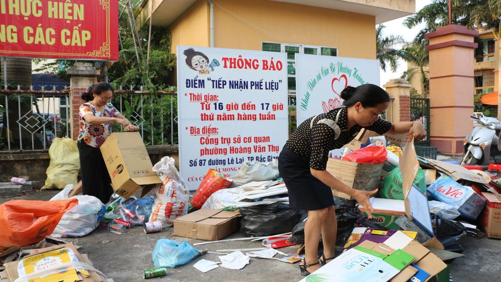 Thành lập 150 tổ, nhóm thu gom phế liệu bán lấy tiền hỗ trợ phụ nữ nghèo