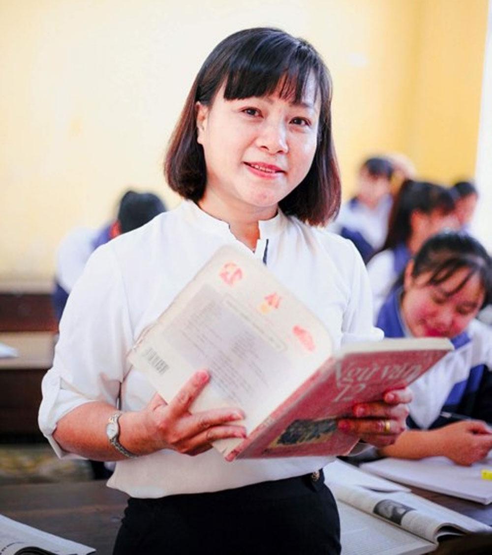 Cô giáo Vũ Thị Mai Liên, lên tục, tổ trưởng chuyên môn xuất sắc