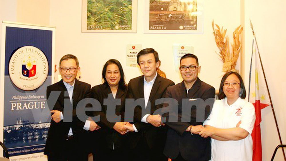 Vietnam attends ASEAN Family Day in Czech Republic