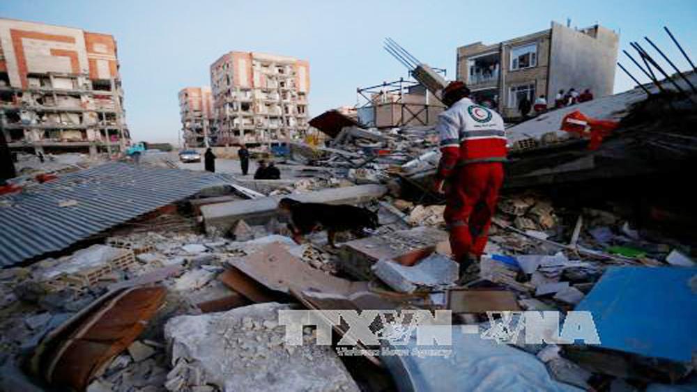 Con số thương vong trong vụ động đất ở biên giới Iran-Iraq tăng tới gần 7.000 người