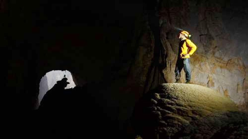 Theo chân những phượt thủ khám phá hang Sơn Đoòng