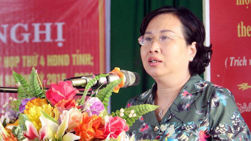 Phó Chủ tịch UBND tỉnh Bắc Giang Nguyễn Thị Thu Hà tiếp xúc cử tri huyện Hiệp Hòa
