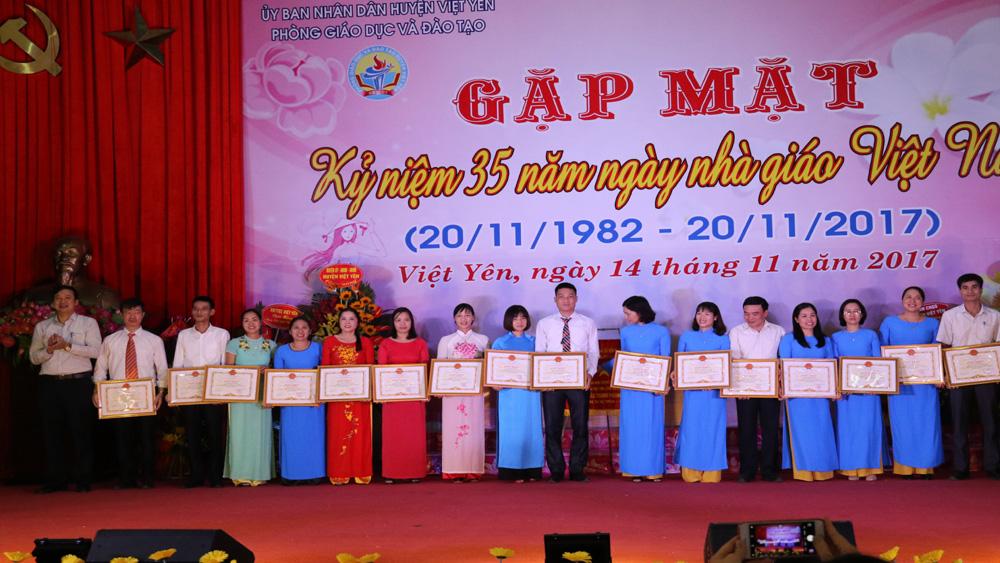 Gặp mặt kỷ niệm 35 năm Ngày Nhà giáo Việt Nam