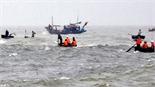 Hơn 100 người tìm kiếm thuyền viên mất tích trên biển Quảng Ninh