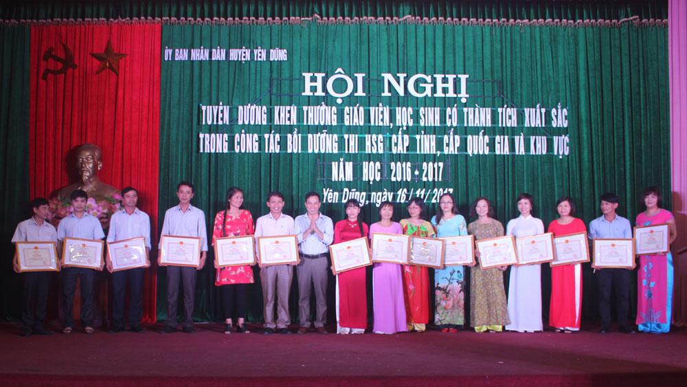 Yên Dũng tuyên dương khen thưởng giáo viên và học sinh giỏi