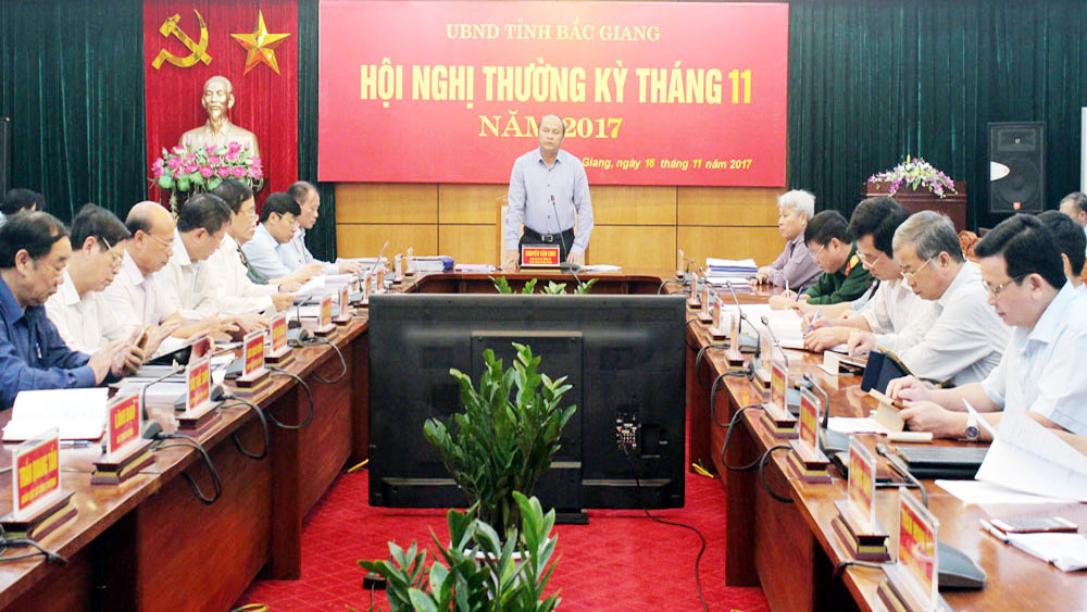 Bac Giang discusses investment capital disbursement, budget revenue