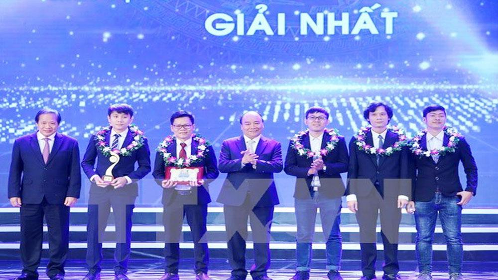 Awards honour Vietnamese talents nationwide