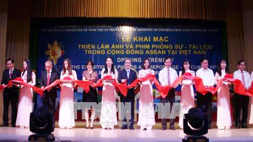 Exhibition on ASEAN opens in Ninh Thuan