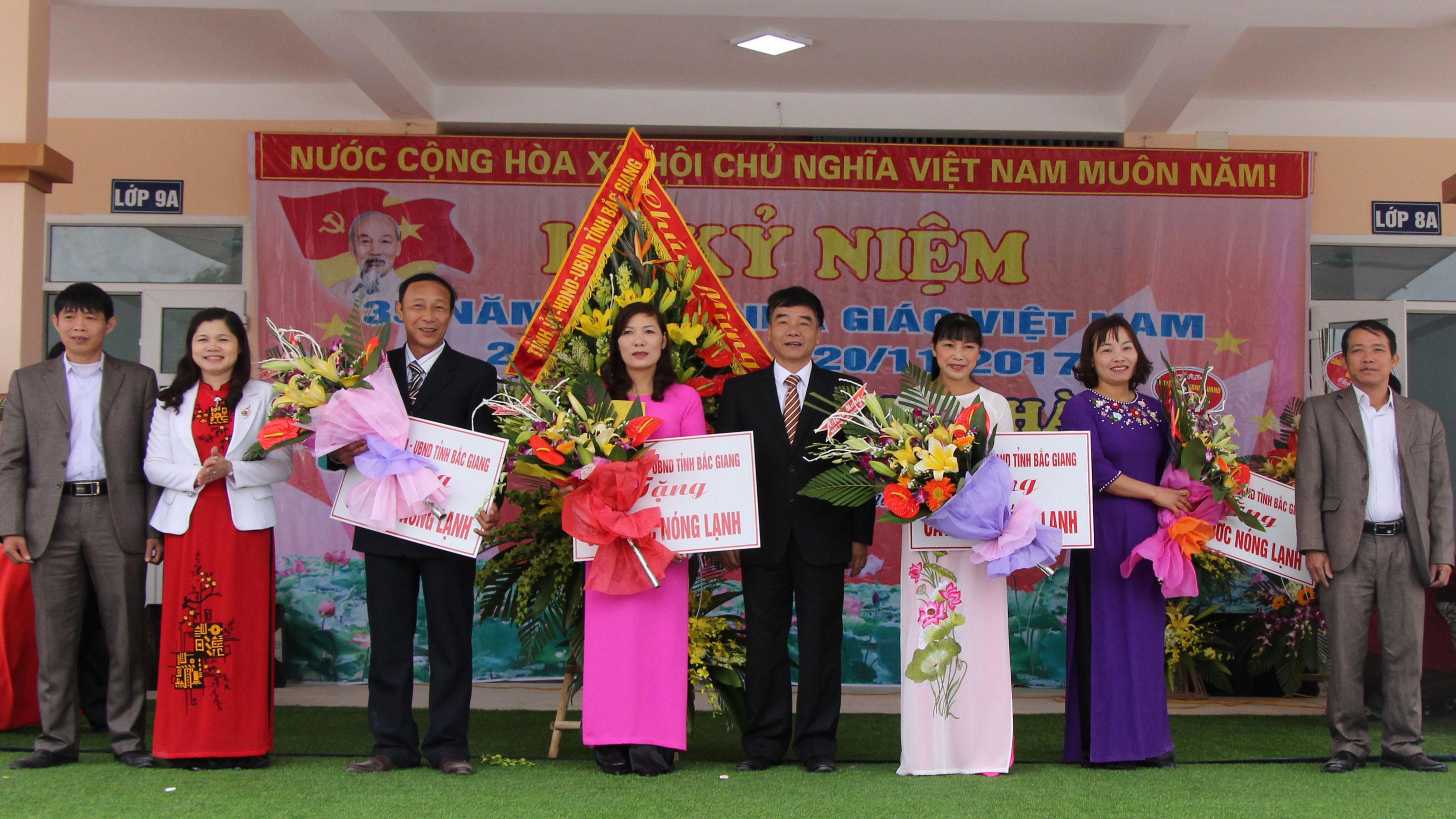 Chúc mừng Ngày nhà giáo Việt Nam tại xã An Dương (Tân Yên)
