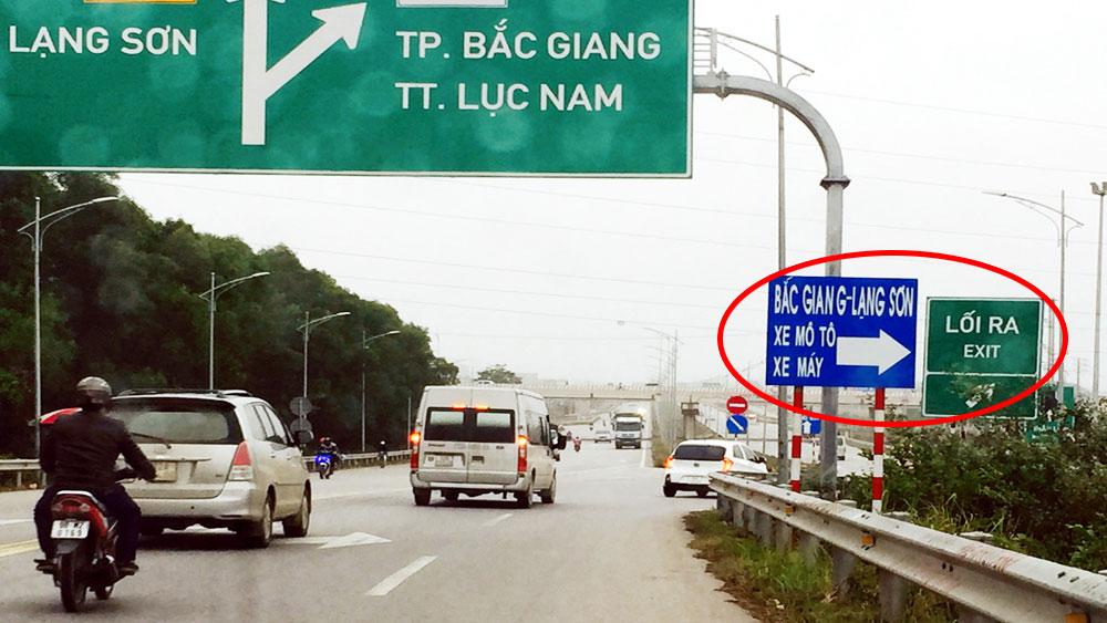 Biển hướng dẫn giao thông khó hiểu