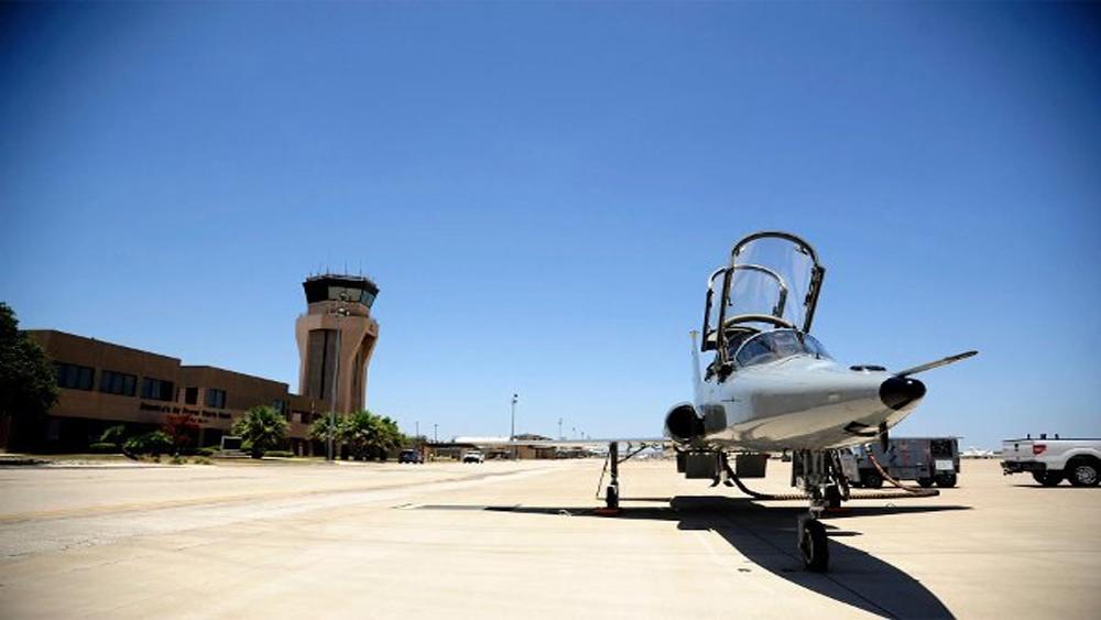 Mỹ: Máy bay rơi bên ngoài căn cứ không quân, 2 phi công thương vong