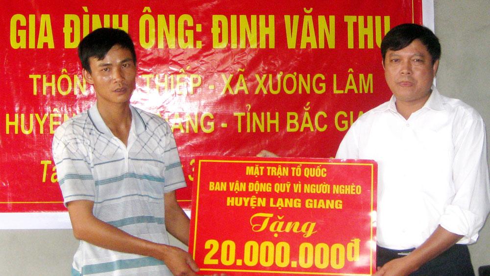 """Lạng Giang: Hơn 1,1 tỷ đồng ủng hộ Quỹ """"Vì người nghèo"""""""