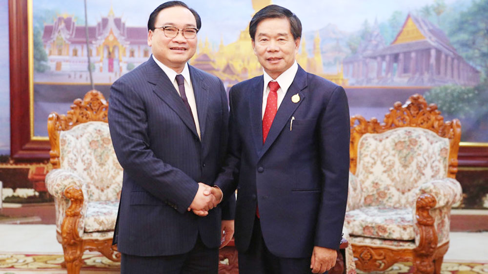 Hanoi, Vientiane strengthen multifaceted cooperation