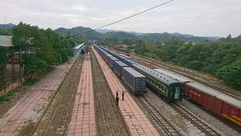 Đoàn tàu container hàng hóa đầu tiên kết nối Việt Nam-Trung Quốc