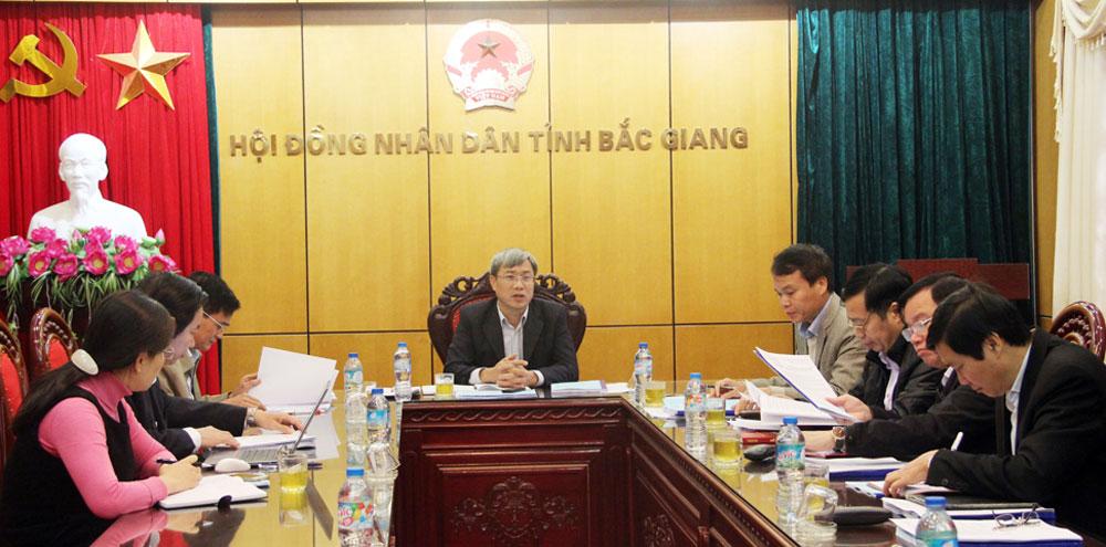 Thẩm tra các báo cáo, dự thảo nghị quyết trình kỳ họp thứ 4, HĐND tỉnh khóa XVIII
