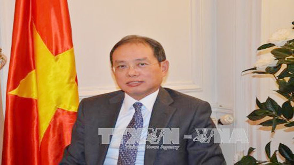 Vietnam attends La Francophonie ministerial meeting in Paris