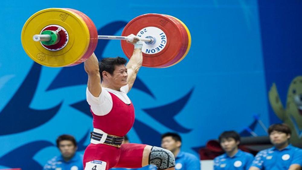 Thạch Kim Tuấn giành ba HCV thế giới