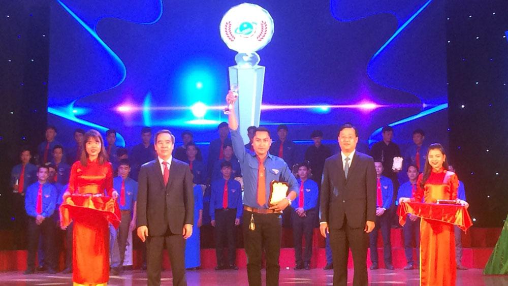 Hai thanh niên Bắc Giang được trao giải Lương Định Của