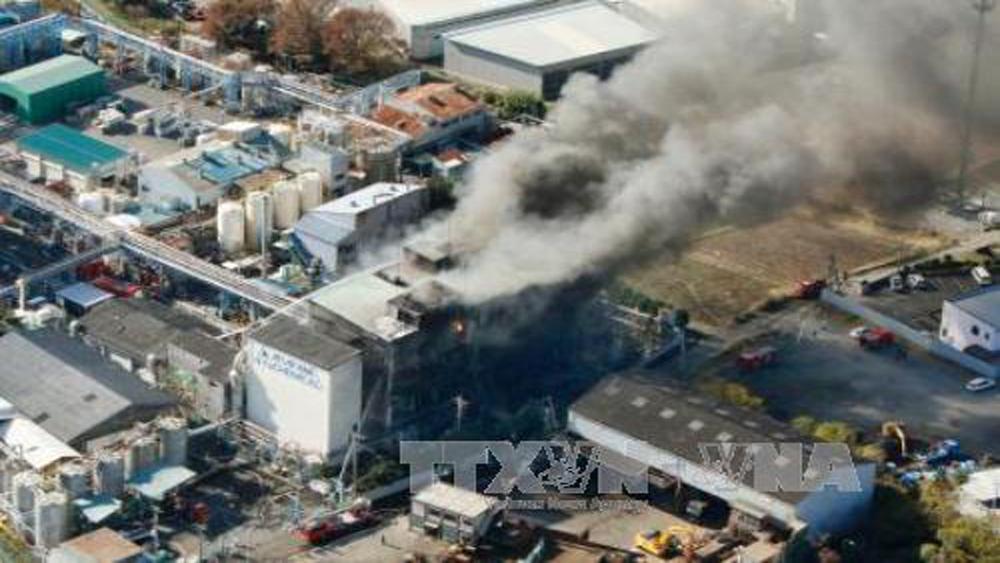 Nổ nhà máy hóa chất ở Nhật Bản, nhiều người bị thương