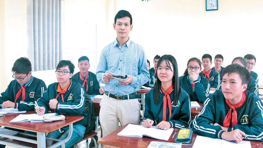 """Thầy giáo tiêu biểu,  toàn quốc,  Đỗ Văn Hoàn, """"Thắp lửa"""", đam mê,  môn Toán,  học sinh"""
