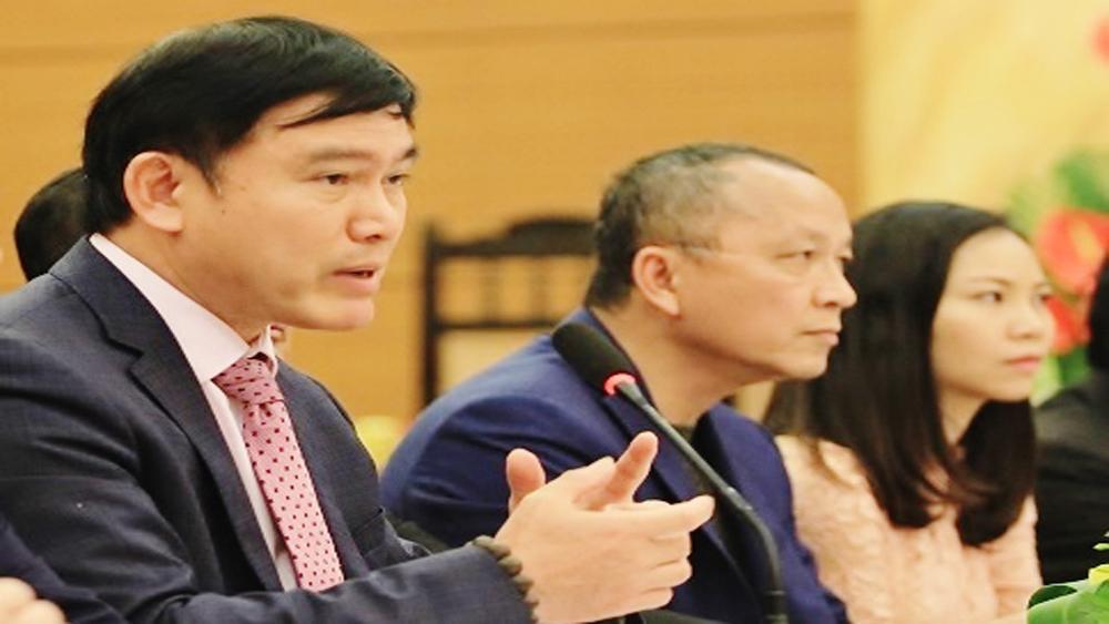 Những bài toán thách thức tân Chủ tịch VPF Trần Anh Tú