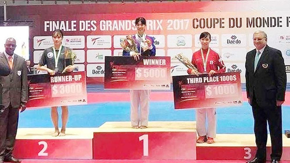 Vietnamese taekwondo artist wins bronze at world-class tournament