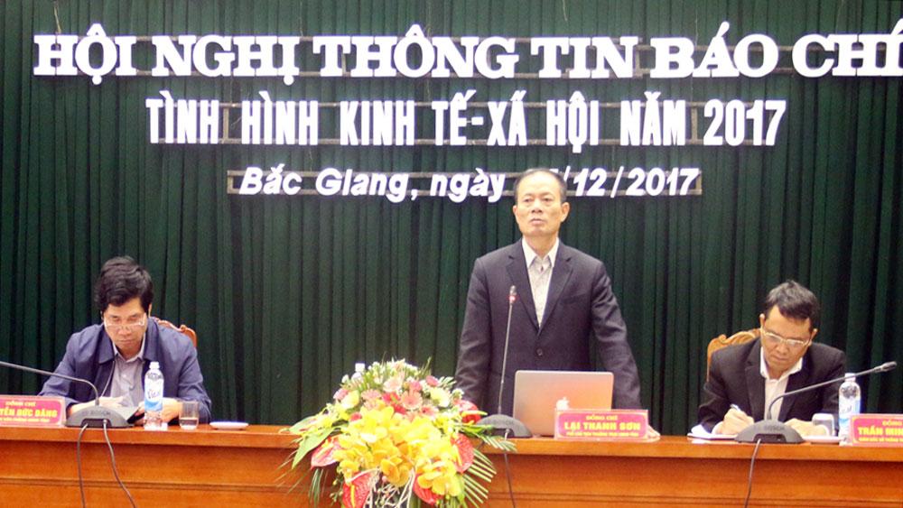 UBND tỉnh họp báo về tình hình KT-XH năm 2017