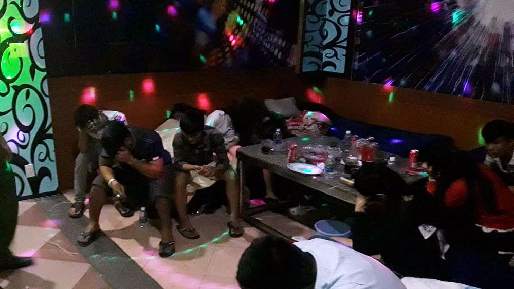 Phát hiện 20 đối tượng sử dụng ma túy trong quán karaoke