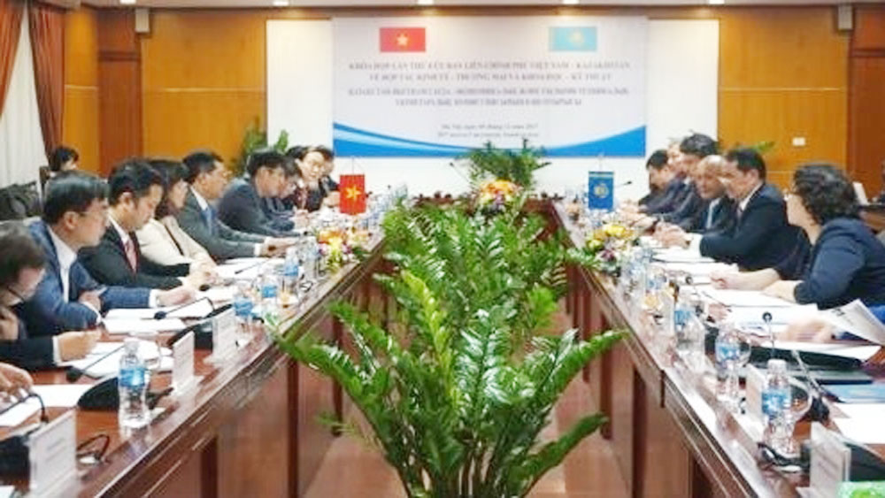 Vietnam, Kazakhstan look to tighten trade ties