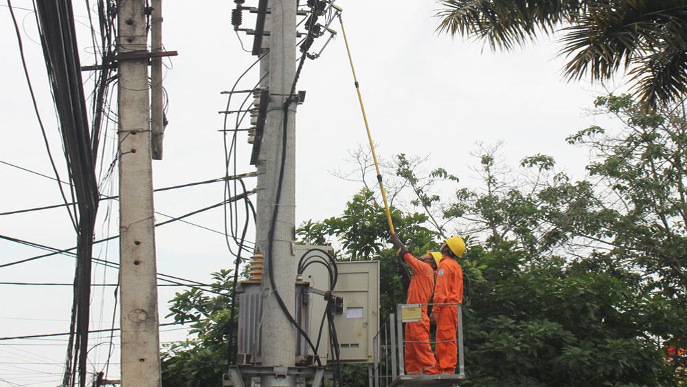 Khắc phục quá tải điện nông thôn: Nâng cấp hạ tầng, kịp thời xử lý sự cố