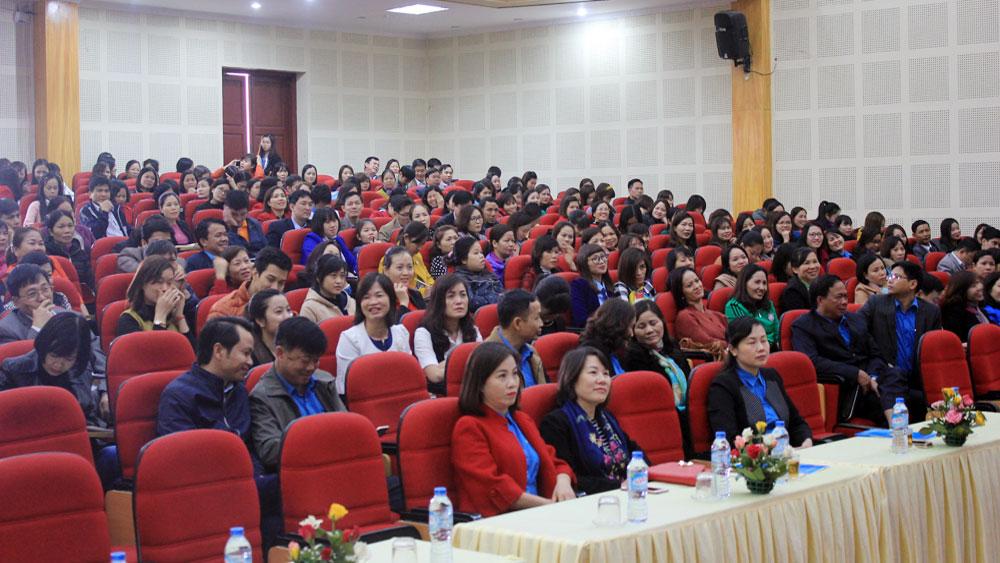 Gần 300 cán bộ công đoàn tham gia hội nghị về bình đẳng giới