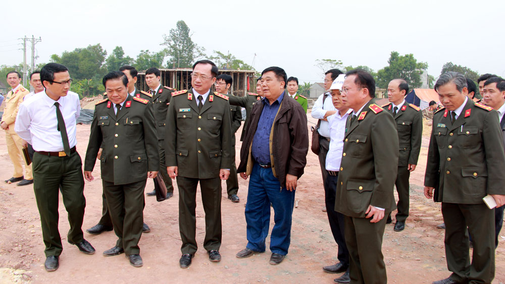 Thứ trưởng Bộ Công an Nguyễn Văn Thành kiểm tra dự án xây dựng Khu lưu niệm 6 điều Bác Hồ dạy CAND