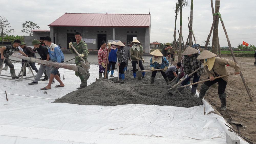 Thôn Đông Tiến, xã Hương Gián: Huy động sức dân xây dựng công trình văn hóa