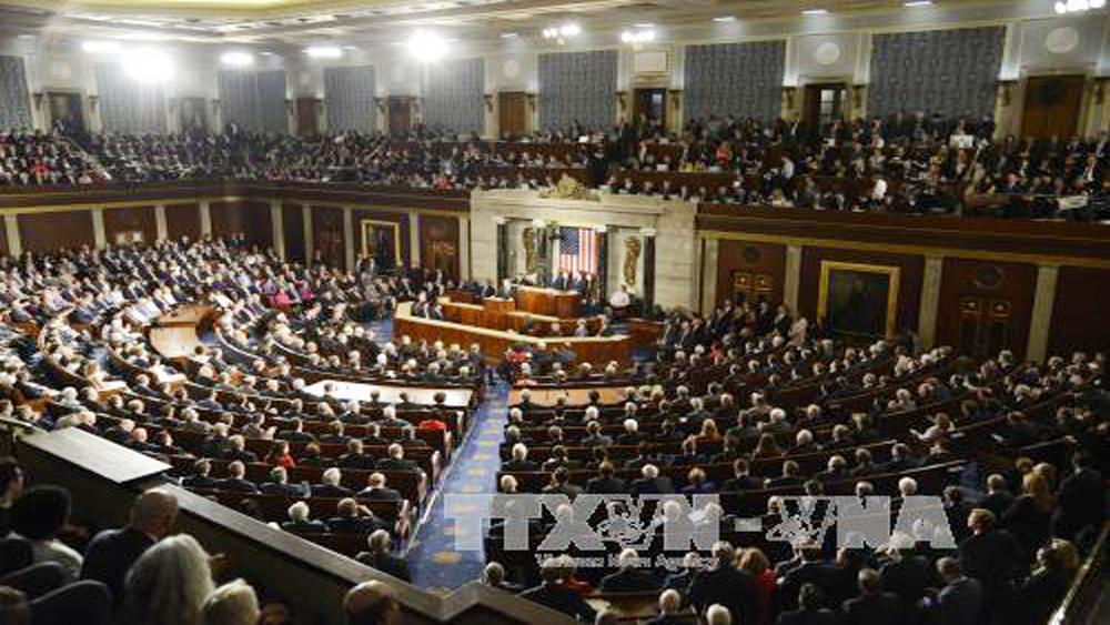 Quốc hội Mỹ kịp ngăn chính phủ đóng cửa