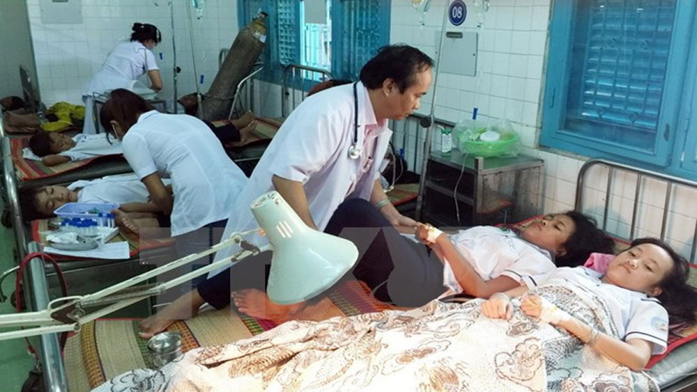 36 học sinh ở Ninh Thuận nhập viện nghi ngộ độc sau bữa sáng
